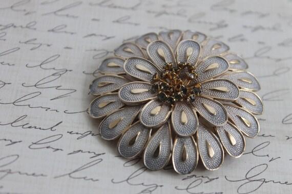 Vintage 1950s Brooch / Mid Century Brooch / Silver Flower Brooch Pin