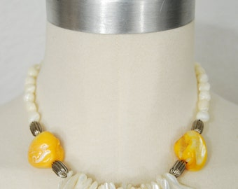 vintage 1970s / statement necklace / shell / yellow and pearl