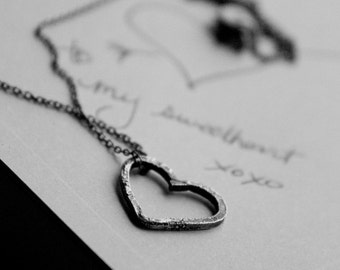 my sweetheart: petite heart - necklace