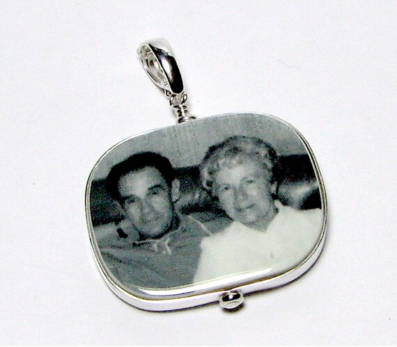 Photo Pendant, Custom Photo Jewelry, Personalized Keepsake Jewelry - Large - FP1RFl