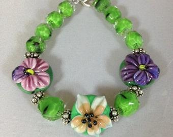 Flower Bracelet / pink and purple