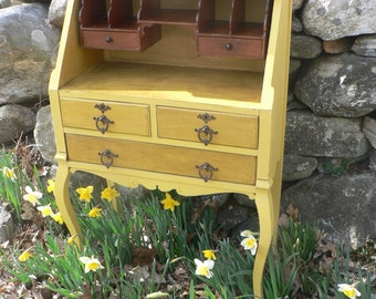 SOLD . VinTAGE aNTiQue GolDen YELLOW Victorian SECRETARY Desk