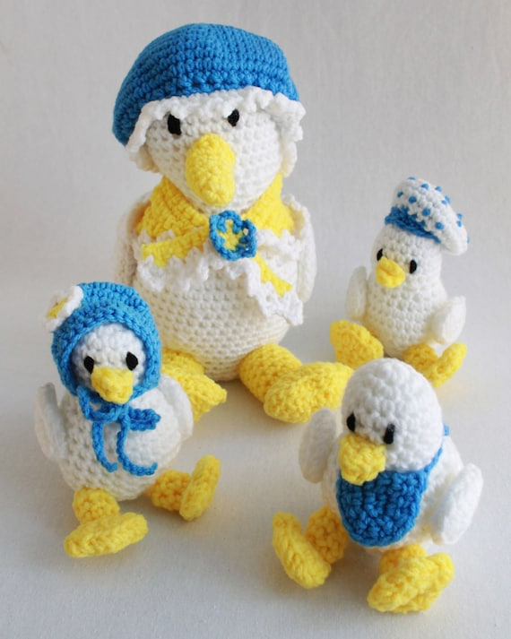 Crochet Baby Duck Pattern : Super Easy Daphne Duck and Ducklings Crochet Pattern PDF