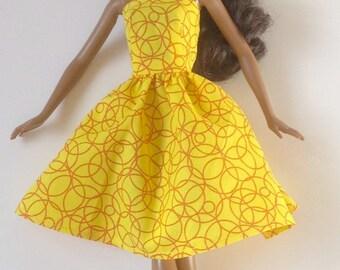 Handmade Barbie Clothes Basics LIV  Yellow Swirl Dress (Q415)