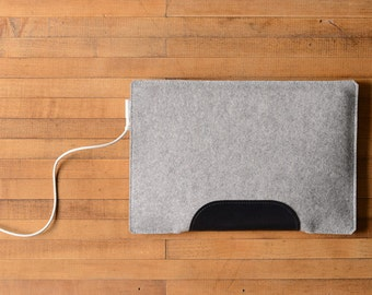 MacBook Air Sleeve - Grey Felt and Black Leather - Short Side Opening