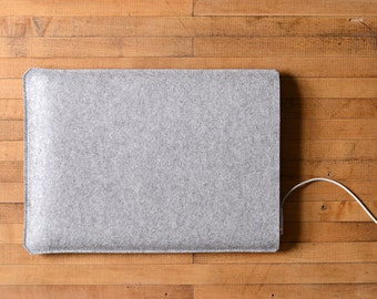 "Simple MacBook Pro Sleeve - Grey Felt - Short Side Opening for the New 13"" MacBook Pro or the New 15"" MacBook Pro"
