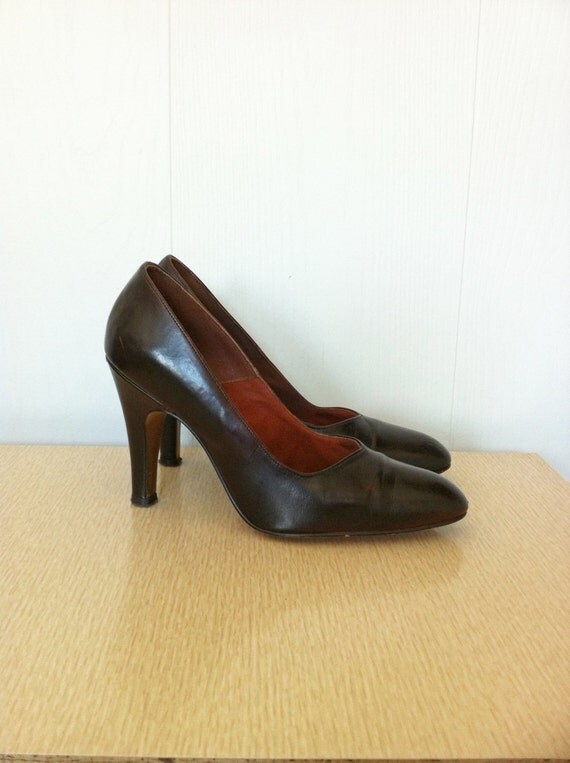 vintage 1970s shoes chocolate brown high heels size 6m