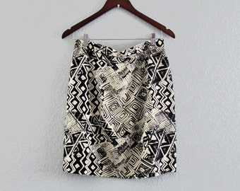 90s Bold Geometric Rayon Short Skirt Black Cream My Michelle, Med 29 inch waist