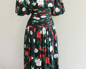 1980s Silk Party Dress - Carnation Floral Print - Jeannene Booher Maggie London - Black Red White Flowers - Rouched Waist Ruched - 36 Bust