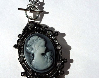 Cameo Toggle Necklace