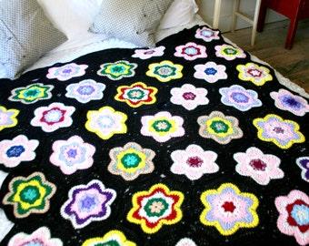 Vintage Crochet Granny Squares Flower Design Blanket
