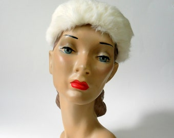 Final Sale / Vintage 1960s Rabbit Fur Toque Hat / Winter Wedding Hat
