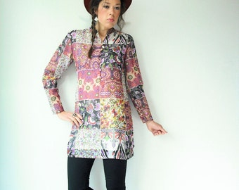 PATCHWORK Dress Vintage 60's Floral Print Indian Tunic Dress / MOD Mandarin Collar / Corset Button Cuffs