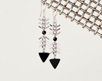 Black Onyx Fish Bone Chain Drop Earrings - Storm Cloud Chevron  Earrings - Fish Spine Chain - by Prairieoats