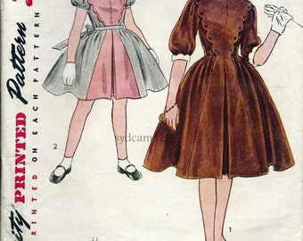 Vintage 1952 Girls Scalloped Bodice Dress..Full Skirt w Inverted Pleat...Simplicity 3993 Size 8