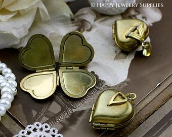 4pcs Victorian Raw Brass Folding Heart Locket Pendants / Charms (ZZ141) - open into a clover, holding 4 photos