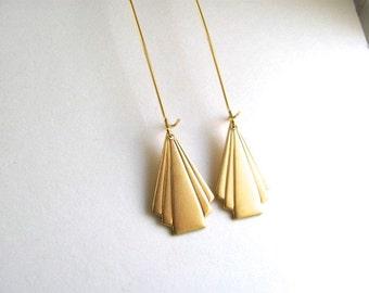 Gold fan drop earrings, raw brass vintage art deco triangle fans on long 14k gold plate fixtures, geometric jewelry, dangle earrings