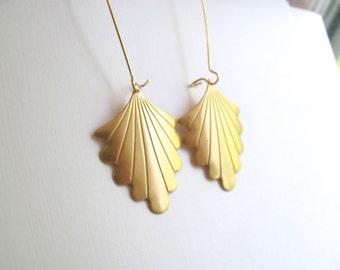 Gold fan drop earrings, raw brass vintage art deco fans on long 14k gold plate fixtures, geometric jewelry, dangle earrings
