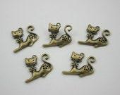 5 pcs.Zinc Antique Brass Fower Cat Charms Pendants Decorations Findings 24 mm. RCA2