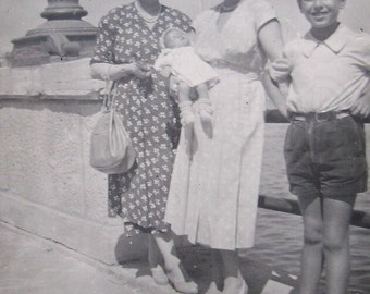 1940's Summer Family Photo