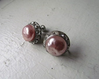 SALE-Vintage Pearly Pink Screw On Earrings