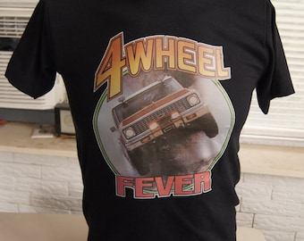 vinTage 4 WHEELER T SHiRT FEVER jeep truck 70s medium (36 inches around chest)