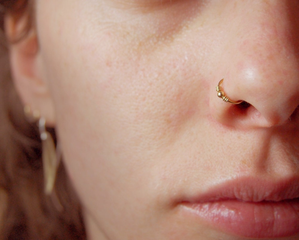 Up your jewelry game with gorgeous nose rings and studs from Claire's stand-out collection. Get fresh styles that match your unique personality, or play it simple yet classic with silver and gold studs.