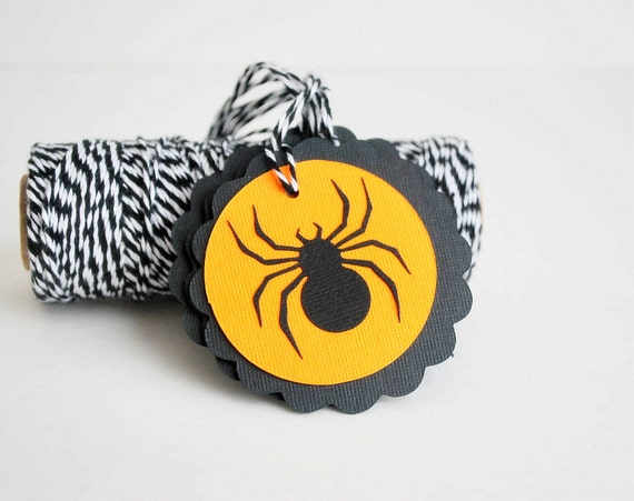 ON SALE 6 Halloween spider TAGS, Halloween Treat Bag Tags, Trick or Treat Labels   A687