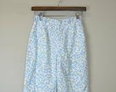 60s Floral Shorts / 1960s Blue Print Shorts / High Waist Shorts / Blue Shorts / Jantzen S