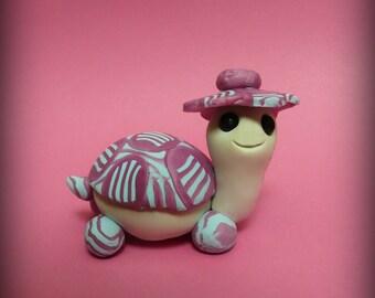 Turtle in Pink, figurine
