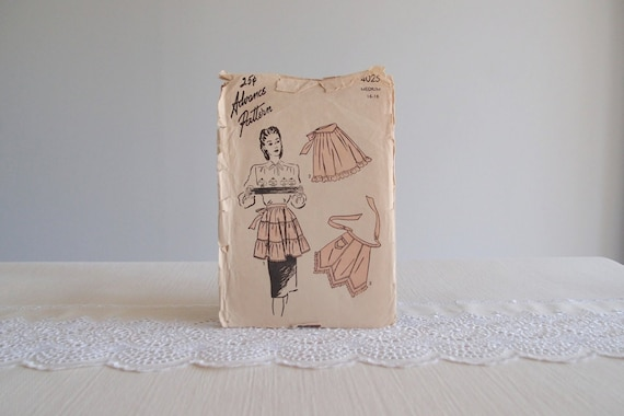 1940's Apron Pattern ... Advance 4025, 3 styles complete