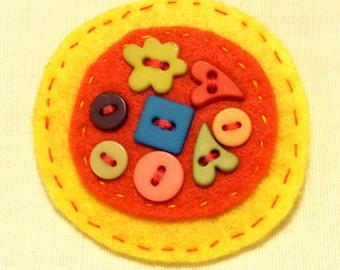 Felt brooch, Felt jewelry, Multicolor, Buttons, Cute gifts, Felt circles, Badge, Pin, Handmade by Marumadrid