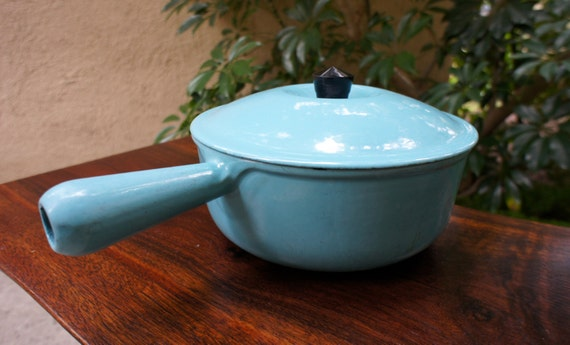vintage cousances turquoise blue sauce pan with lid vintage. Black Bedroom Furniture Sets. Home Design Ideas