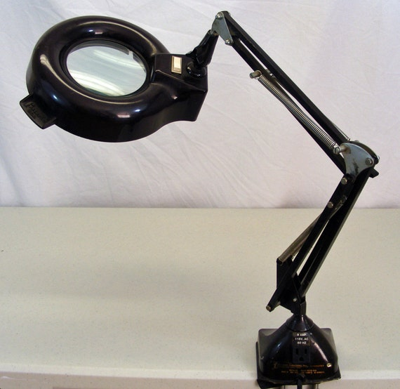 Fostoria Magnifying Portable Shop Work Light Localites