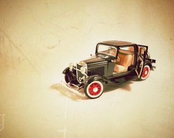 """1932 Antique Ford Vintage Auto Print 1/18 Scale Model Luxury Car """"The Greatest Thrill in Motoring"""" Boy's Men's Wall Art"""