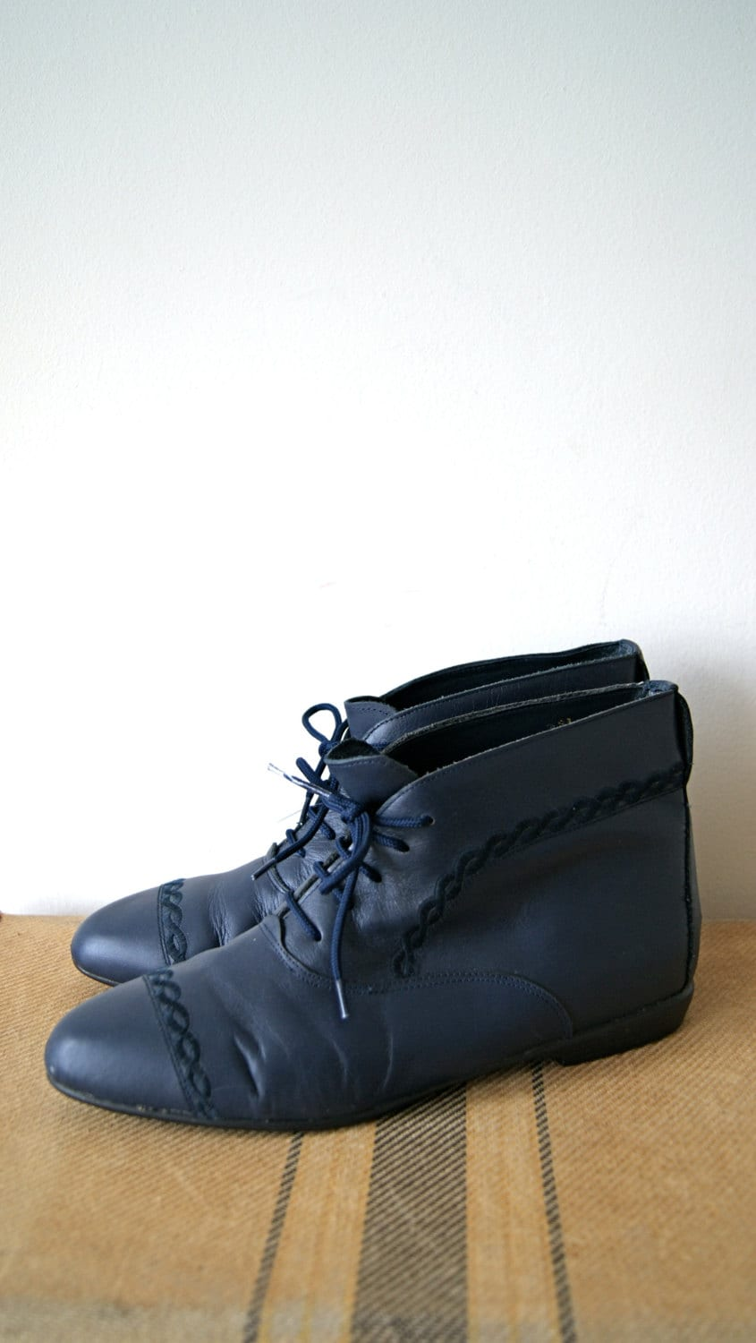 vintage ankle boots 90s navy blue leather lace up boots