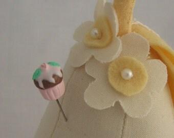 Sewing Pin Topper - Single Pink Cupcake