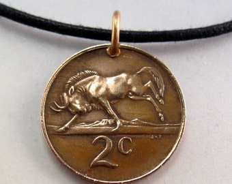 animal Coin jewelry. SOUTH AFRICA coin necklace  wildebeest.. copper. suid afrika  No.00719