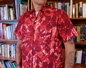 MENS MOMI of HAWAII--Gorgeous Mint Condition Men's 1950s Hawaiian Tiki Shirt with Buttonhole Loop--L