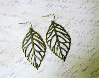 Bronze leaf earrings - Large leaf earrings- Antique bronze earrings -  Filigree leaf earrings- Rustic- Fall wedding- Vintage style-Boho chi