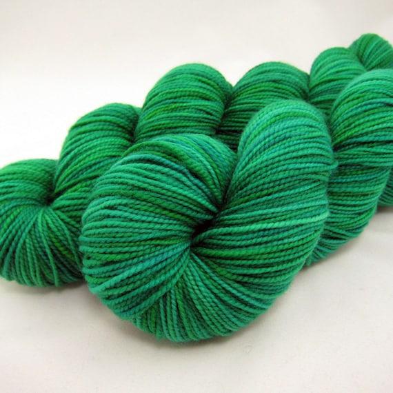 Lush, Emerald Green Hand dyed Sock Yarn, SW Merino, 400 yds