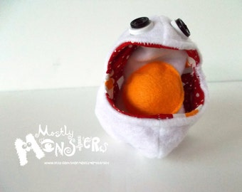 NOM NOM Egg-ceptional toy, white monster egg with toy egg inside, toy egg, squeaky egg, toy food