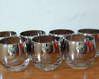 Vintage Silver Ombre Roly Poly Glasses Set Of 7 Silver Fade Silver Band Silver Rim Mid Century Whiskey Barware Mad Men Dorothy Thorpe Style