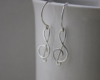 Treble Clef Earrings - Hammered Treble Clef - Silver Treble Clef - Argentium Silver Jewelry - Music Lover Earrings - Music Note Earrings