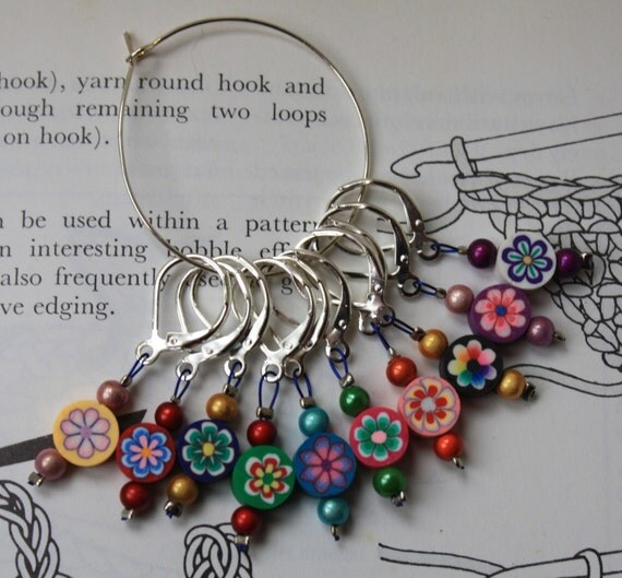 Crochet stitch markers round flowers by CraftyCatKnittyBits