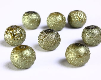 10mm Green pearlized glass beads - dyed round glass bead - Textured glass beads - 8 pieces (897) - Flat rate shipping