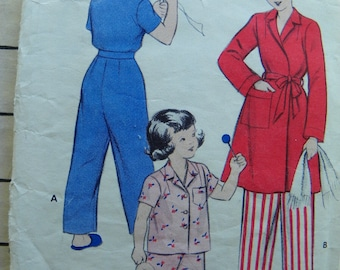 Pajama Game Little girls pajama and robe pattern Butterick 5983 size 4 1950's