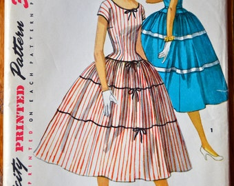 DISCOUNTED** 1950's Simplicity Dress with full skirt pattern - Bust 34 - UNCUT - no. 1083