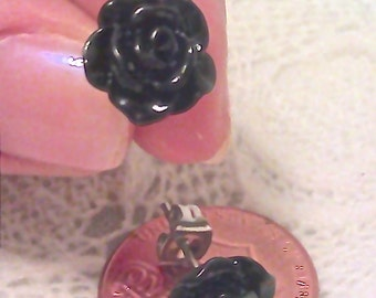 Rose Stud Earrings (Black)