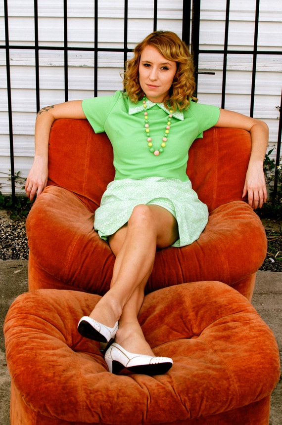 Vintage Mod Green 60s Dress Medium or Large Spring Fashion Summer Dress